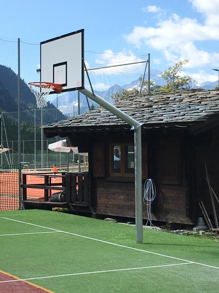 Impianto basket monotubo sbalzo cm. 165